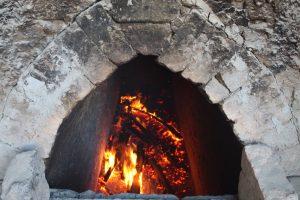 il forno alimentato a legna, Cotto del Castello