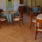 sala ristorante con pavimento in cotto